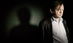 Mark-E-Smith-lead-singer--001